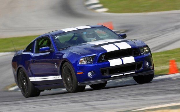 2013-Ford-Shelby-GT500-front-three-quarter-2-623x389