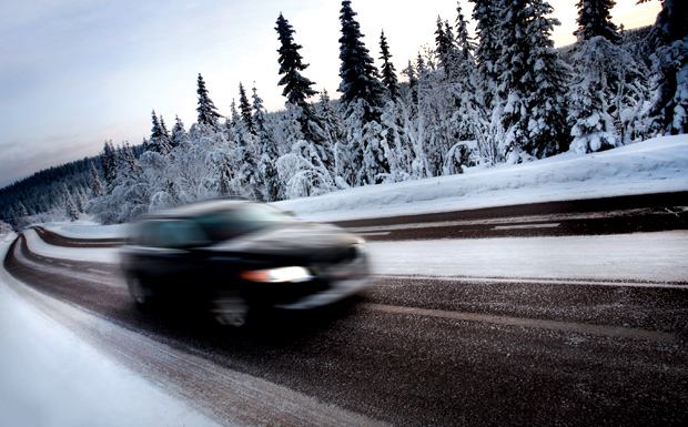 Car-on-winter-road-blur