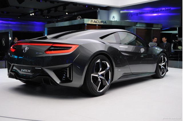 2014-acura-nsx-concept-at-the-2013-detroit-auto-show_100416105_m